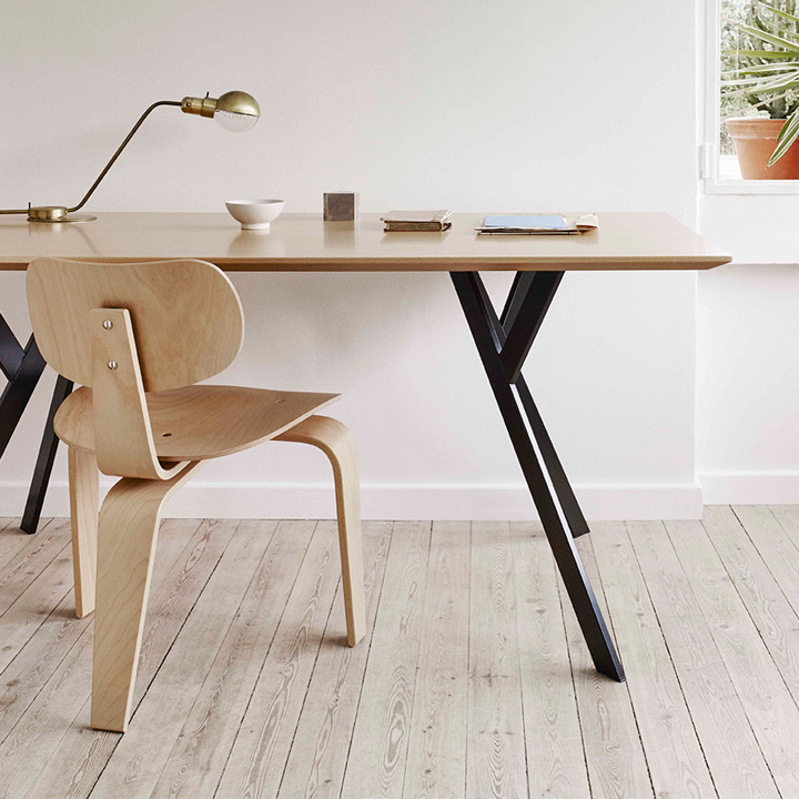 Se 42 Dreibeinstuhl Egon Eiermann Clara Stil Design Furniture