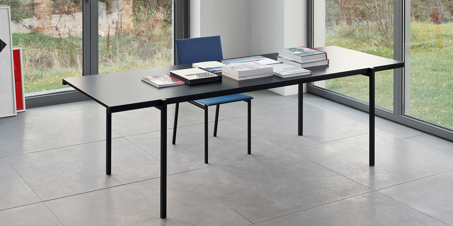 DL5 Neo Table Linoleum nero