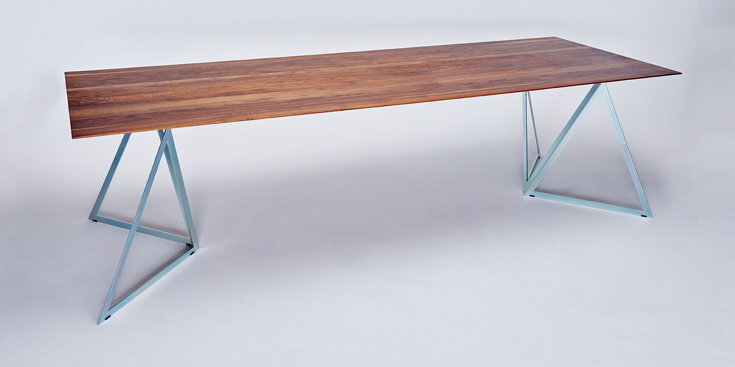 Steel Stand Table walnut-silver
