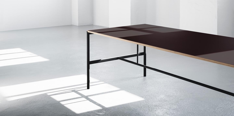 Mies Table black